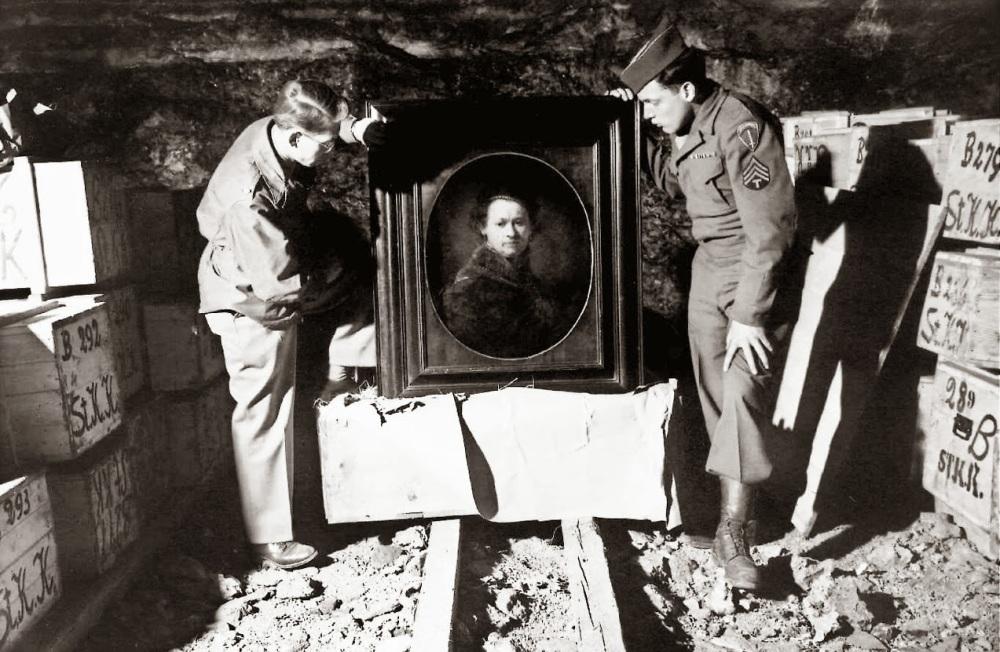 d21b8-monuments-men-memory-picture