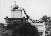 La fuga degli americani in elicottero